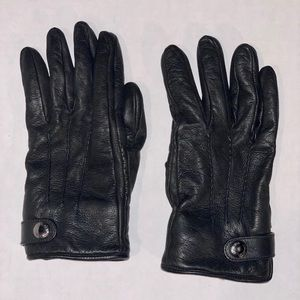 Prada Leather Gloves with Fur inside.